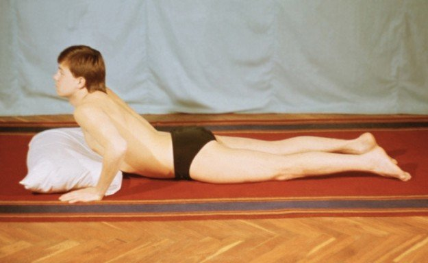 При артрите Кашин-Бека обязательно назначается лечебная гимнастика с целью предотвращения деформаций и приостановления процесса.