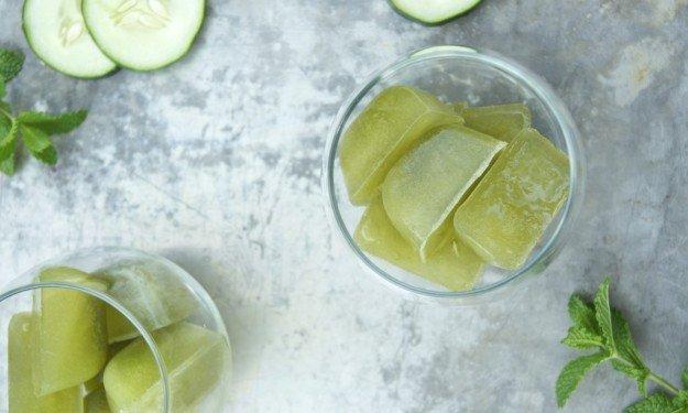 Зелёный чай в кубиках льда