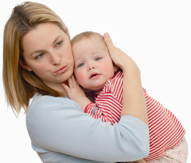 Mutter troestet Baby