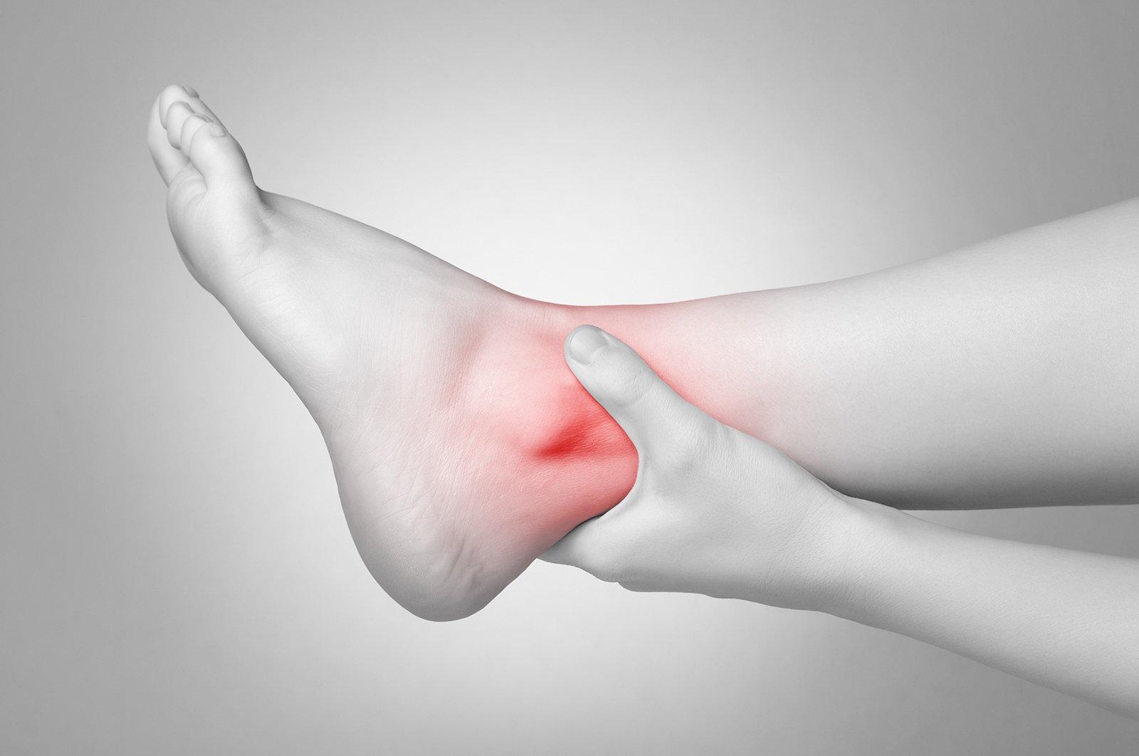 Лечение перелома лодыжки хирургическим и нехиругрическим методами