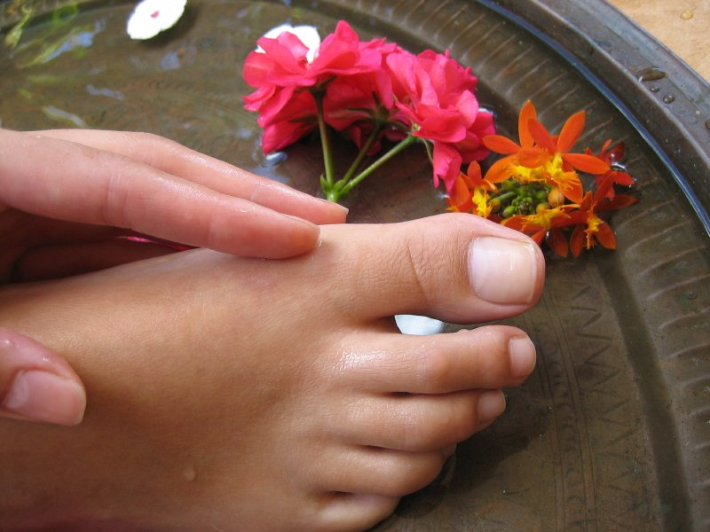 Бурсит большого пальца стопы