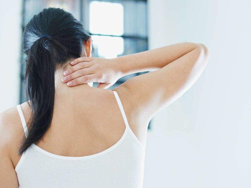 Лечение болей в шее в домашних условиях