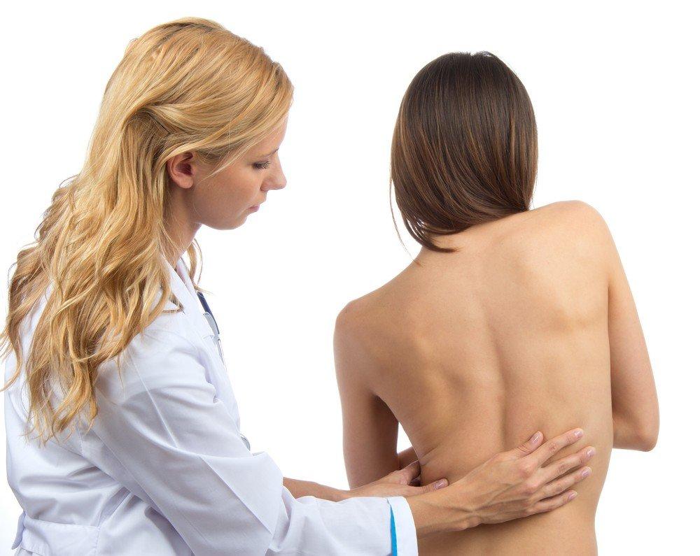 Лордоз позвоночника: причины, лечение, симптомы