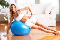 Как заниматься на фитболе эффективно для здоровья позвоночника